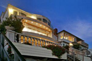 Laguna Beach House Draws TV Cameras, Crowd